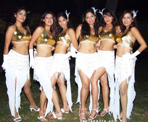 Sexy Six Party at Taj Lands End Pool Side 2006