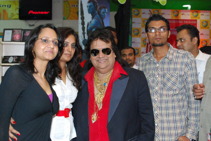 BHAPPI LAHIRI DURING TRIBUTE TO MICHAEL JACKSON IN PHOENIX MILLS